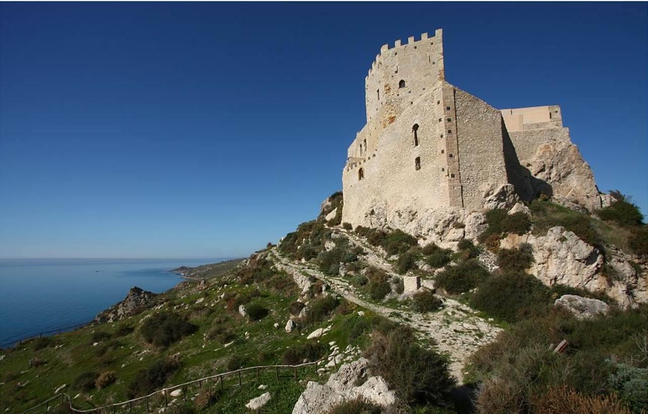 castello palma di montechiaro