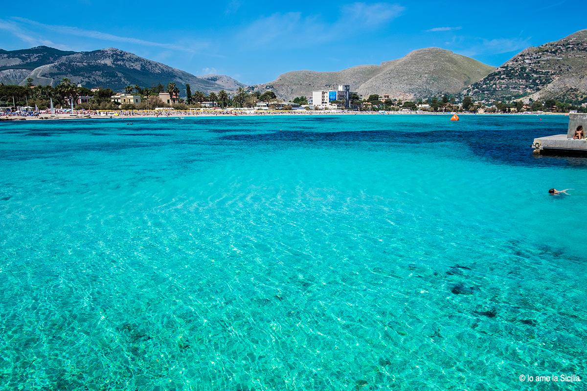 Matrimonio Spiaggia Mondello : La spiaggia di mondello ed il suo delizioso borgo marinaro
